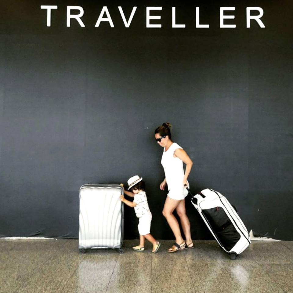 2-wheel-vs-luggage-suitcases-2